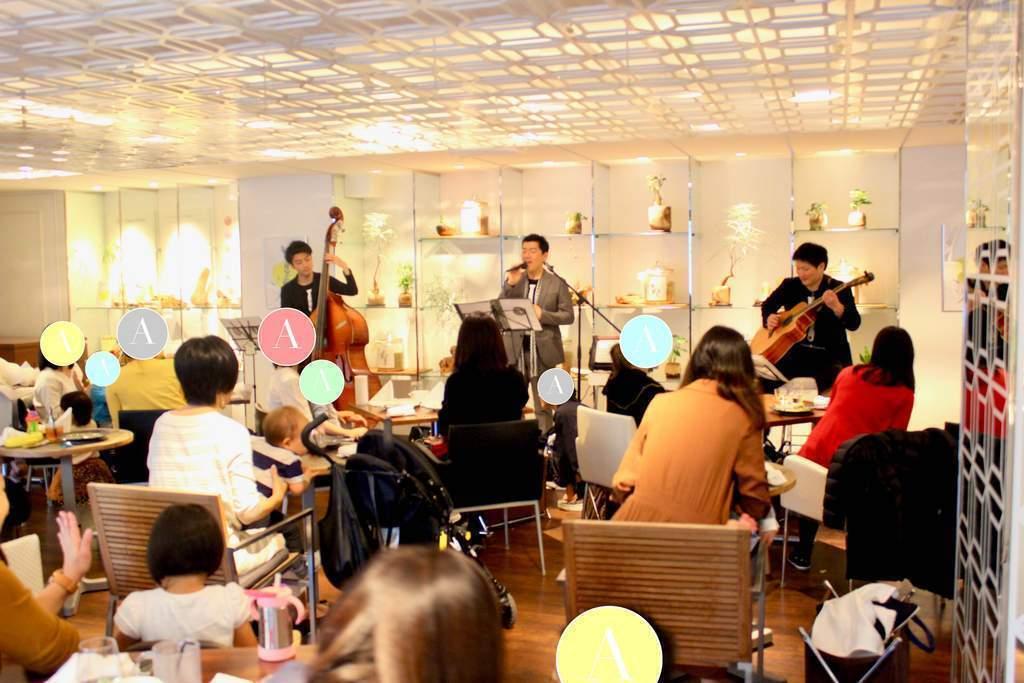 洗練された空間で、生の音楽・旬のひとさらをお愉しみください!