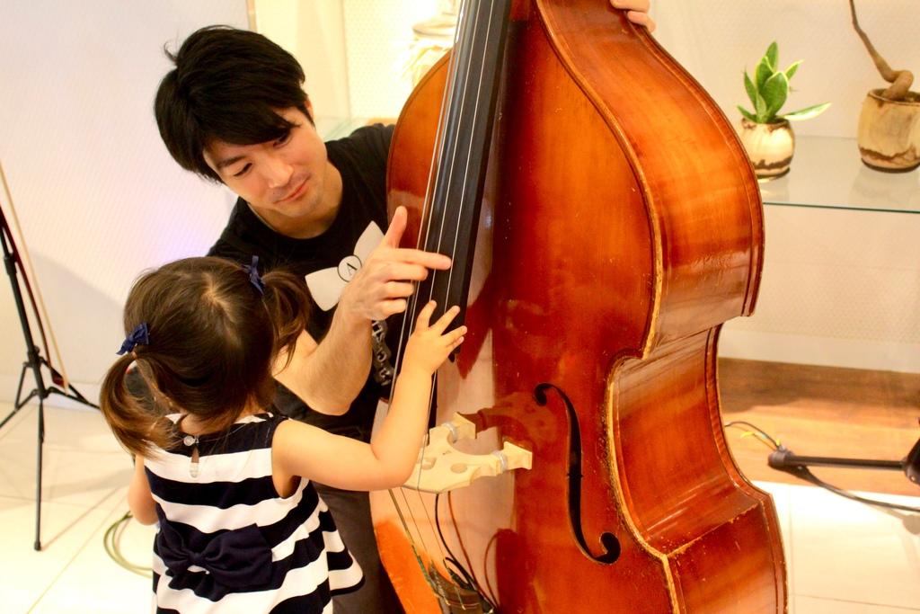 終演後は、お子さまだけでなく大人の皆様も気軽にミュージシャンへお声がけの上、楽器に触れてみてください!