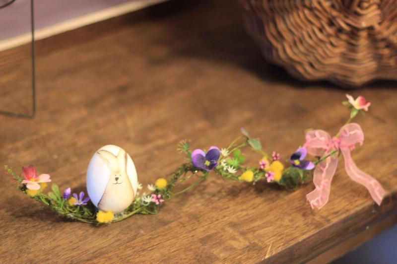 イースターエッグ&フラワーアレンジメントWS(デコパージュ)   こんな感じで素敵なお花をつけたいなーという方は追加料金400円で承りますので、お申し込み時にお伝えください!