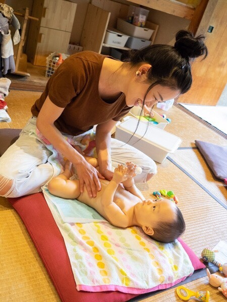 赤ちゃん喜ぶベビーマッサージ