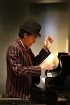 クニ 三上(ピアノ)